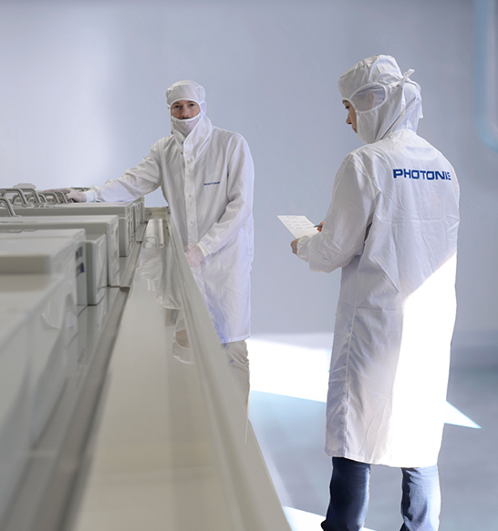 Photonis-France-Clean-room